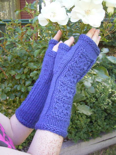 Fingerless Mitts - Pattern Now Available